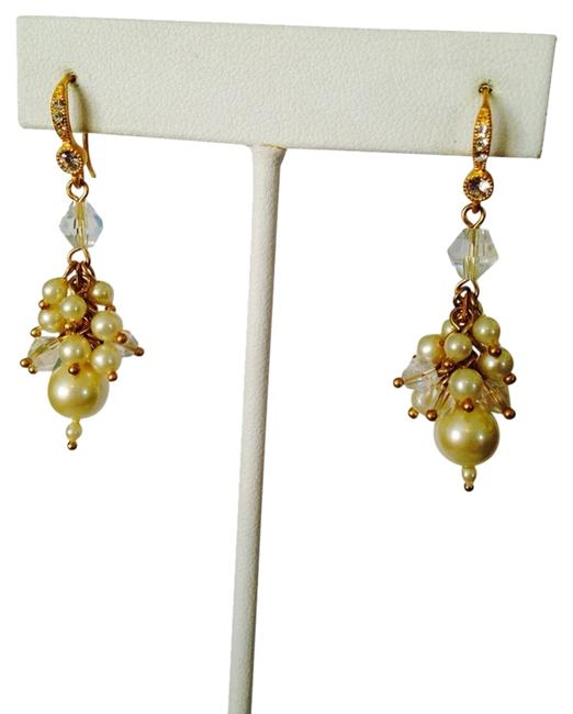 Item - White/Gold Pearl Crystal & Cubic Zirconia Shaky Earrings