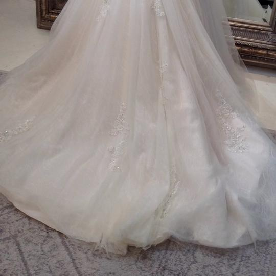Fiore Couture Ivory/Baby Pink Lace/Tulle Nadine Traditional Wedding Dress Size 8 (M) Image 7