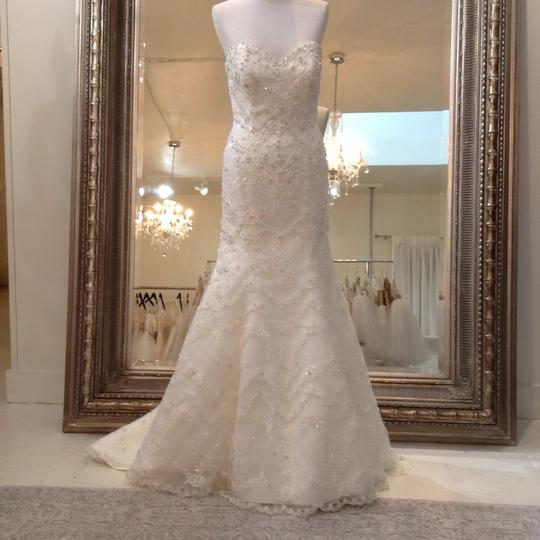 Fiore Couture Ivory Lace Amanda Traditional Wedding Dress Size 6 (S) Image 1