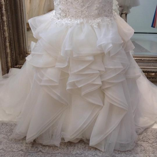 Fiore Couture Ivory Lace/Organza Natalie Modern Wedding Dress Size 8 (M) Image 4