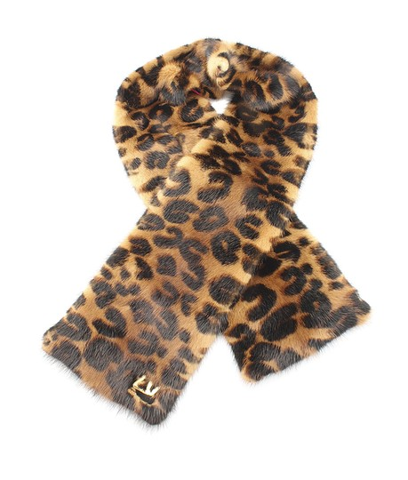 Preload https://img-static.tradesy.com/item/22051701/louis-vuitton-animal-print-leopard-vision-mink-stole-134150-scarfwrap-0-0-540-540.jpg