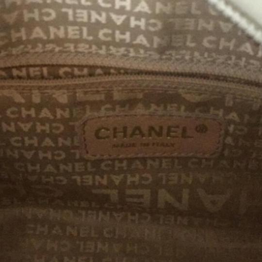 Chanel Tote in Off white Image 5
