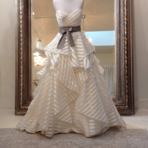 Hayley Paige Ivory/Taupe Organza Guindon 6315 Traditional Wedding Dress Size 8 (M)