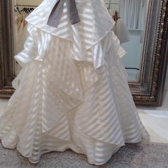 Hayley Paige Ivory/Taupe Organza Guindon 6315 Traditional Wedding Dress Size 8 (M) Image 4