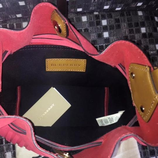 Burberry Tote in Red / Windsor Red Image 4