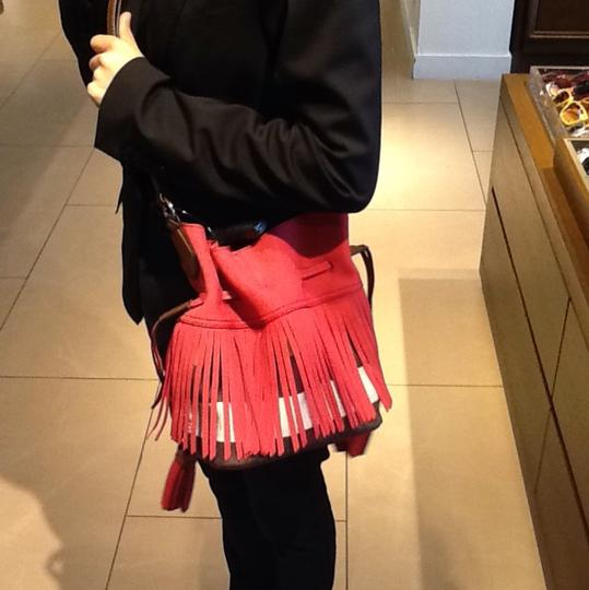 Burberry Tote in Red / Windsor Red Image 5