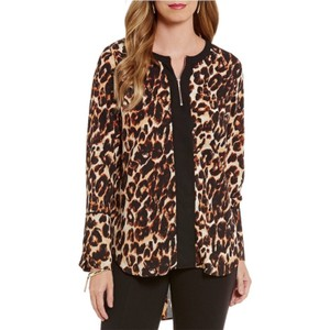 Gibson & Latimer Leopard Print Animal Print Top