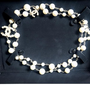 Chanel CHANEL Authentic Bubble Pearl CC Pearl Necklace 14V Collection