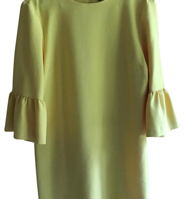 Item - Yellow Stretchy with Frill Sleeves Mid-length Formal Dress Size 12 (L)