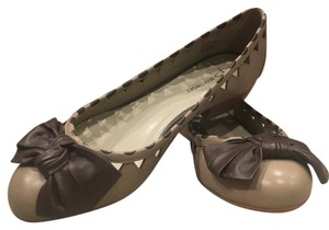 B. Makowsky Taupe and Brown Flats