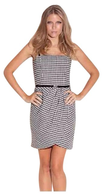 Preload https://img-static.tradesy.com/item/22065342/guess-houndstooth-workoffice-dress-size-8-m-0-1-650-650.jpg