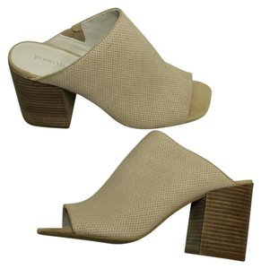 Kenneth Cole Taupe Sandals