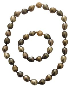 Pearlfection Baroque Pearl Necklace and Bracelet set