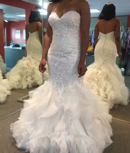 Allure Bridals Ivory and Champagne Lace & Organza 9254 Feminine Wedding Dress Size 6 (S)