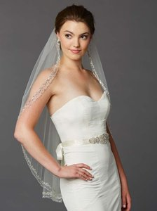 Mariell Ivory Tulle with Silver Accents As Shown Long Glamorous Beaded Swarovski Crystal Fingertip 4467v-i Bridal Veil