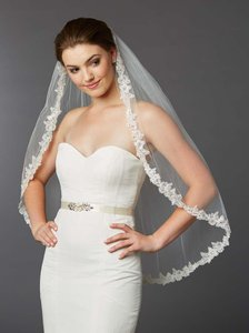 Mariell Ivory Tulle with Silver Accents As Shown Long Sculpted Lace Edged Fingertip Length Mantilla 4416v-i-s Bridal Veil