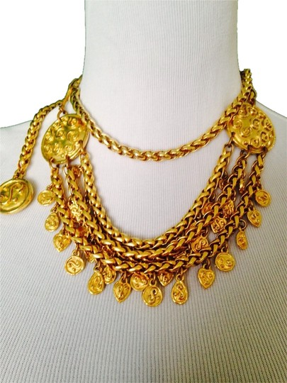 Preload https://img-static.tradesy.com/item/2207183/gold-vintage-necklace-and-chain-belt-0-0-540-540.jpg