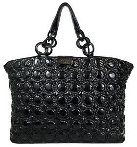 Sequoia Quilted Travel Oversized Ringed Casual Tote in Black