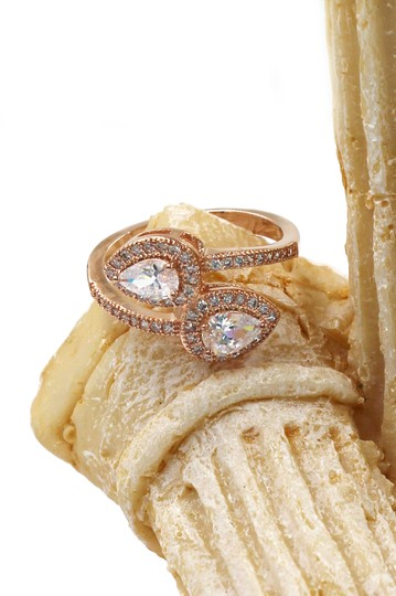 Ocean Fashion Dislocation relative crystal rose gold ring Image 2