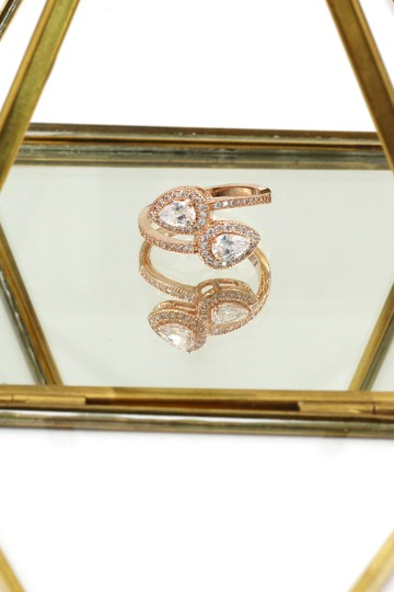 Ocean Fashion Dislocation relative crystal rose gold ring Image 3