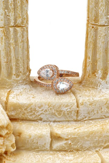 Ocean Fashion Dislocation relative crystal rose gold ring Image 4