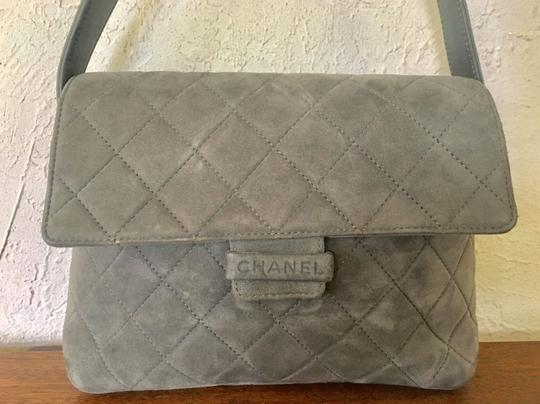 Chanel Jumbo Medium Classic Flap Quilted Maxi Hobo Bag Image 7