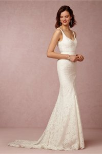 Nicole Miller Ivory Lace (With Tags and Box) Feminine Wedding Dress Size 2 (XS)