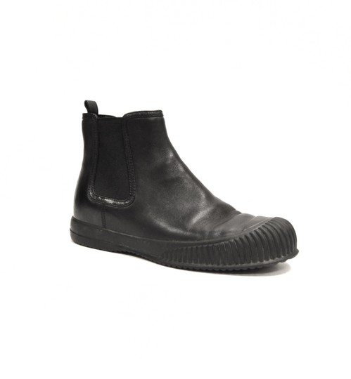 Preload https://img-static.tradesy.com/item/22078505/prada-black-bootsbooties-size-eu-35-approx-us-5-regular-m-b-0-0-540-540.jpg