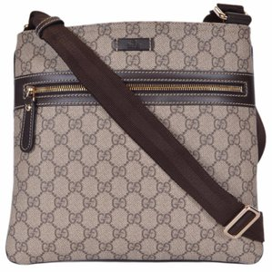 b7258bb2a54 Beige Gucci Messenger Bags - Up to 90% off at Tradesy