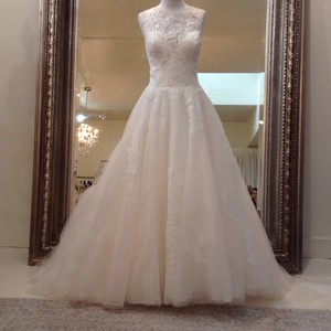 Venus Bridal Ivory/Nude Lace/Tulle At4669xn Traditional Wedding Dress Size 10 (M)