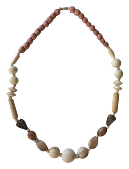Preload https://img-static.tradesy.com/item/22080471/madewell-tan-pink-cream-brown-wooden-beaded-necklace-0-1-540-540.jpg