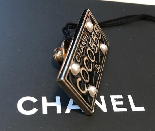 Chanel Chanel Cuba Cruise 2017 Gold Metal Black Plate COCO555 Brooch Pin Image 4