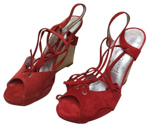 Casadei 75% Off Retail Made In Italy Sizes 5-6 Red Pumps