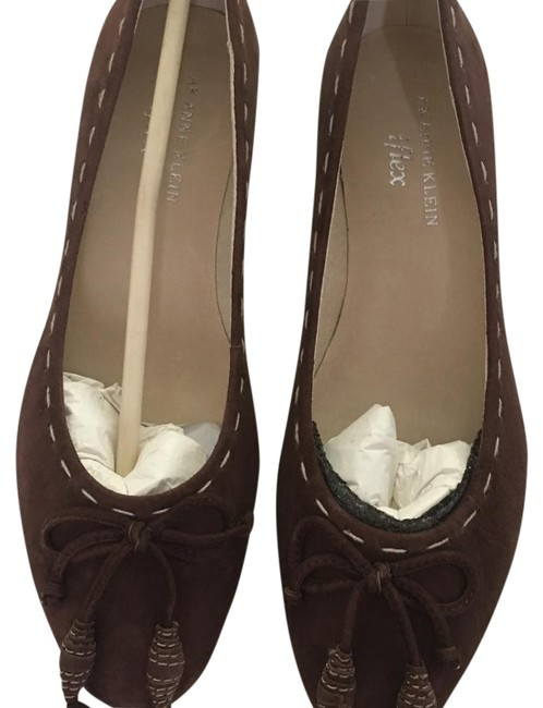 Anne Klein Brown Suede with Tassel In The Front Pumps Size US 6 Regular (M, B) Anne Klein Brown Suede with Tassel In The Front Pumps Size US 6 Regular (M, B) Image 1