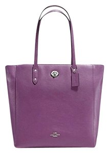 Coach New With Tags Tote in Mauve