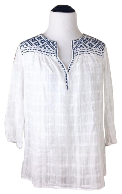 Preload https://img-static.tradesy.com/item/22081496/max-studio-white-blue-and-embroidered-peasant-blouse-size-2-xs-0-1-650-650.jpg
