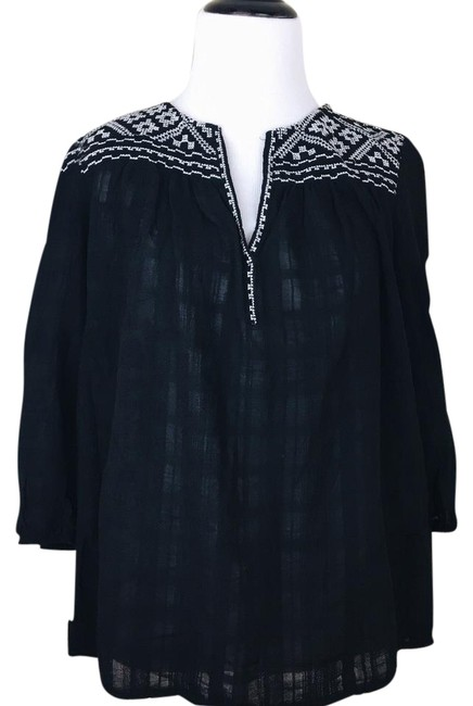 Preload https://img-static.tradesy.com/item/22081536/max-studio-black-white-and-embroidered-peasant-blouse-size-2-xs-0-1-650-650.jpg