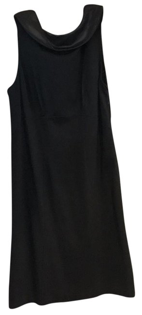 Kenar Sleeveless Keyhole Dress