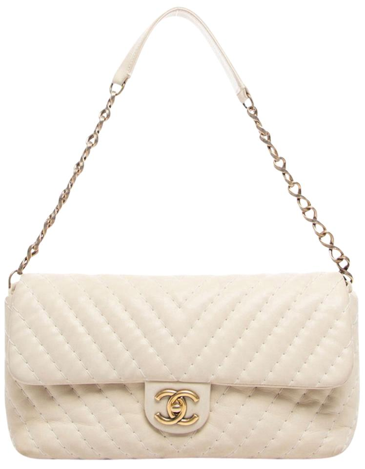 80e548ee26cd Chanel Classic Flap Chevron Quilted Tan Iridescent Jumbo Beige Calfskin  Leather Shoulder Bag