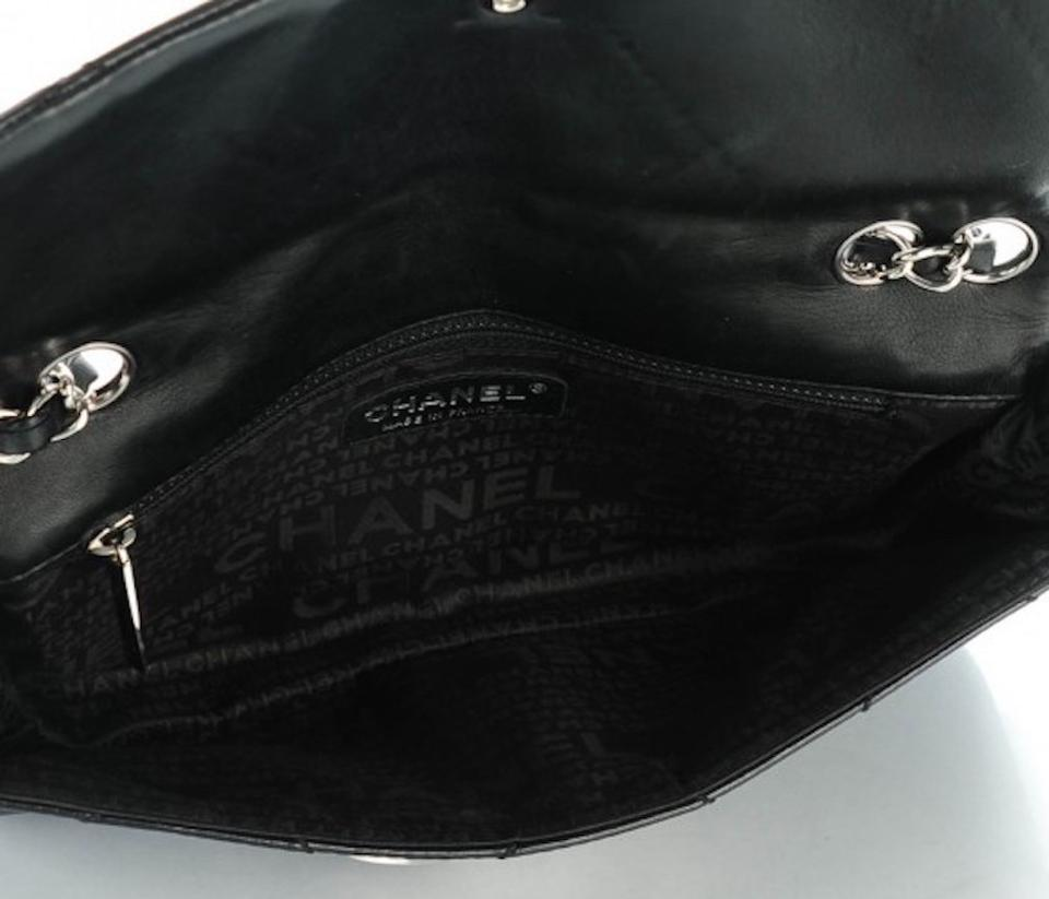 8e8881006e95 Chanel Jumbo E/W East West Classic Flap Diamond Stitch Shoulder Bag Image  11. 123456789101112