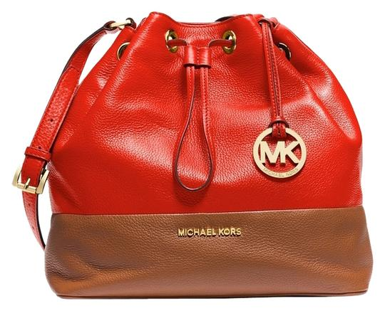 Preload https://img-static.tradesy.com/item/2208430/michael-kors-large-colorblock-drawstring-mandarinluggage-leather-shoulder-bag-0-1-540-540.jpg