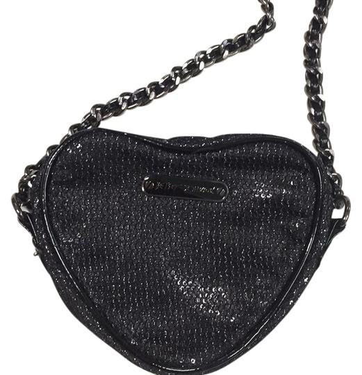Preload https://img-static.tradesy.com/item/22085669/betsey-johnson-black-sequin-cross-body-bag-0-1-540-540.jpg