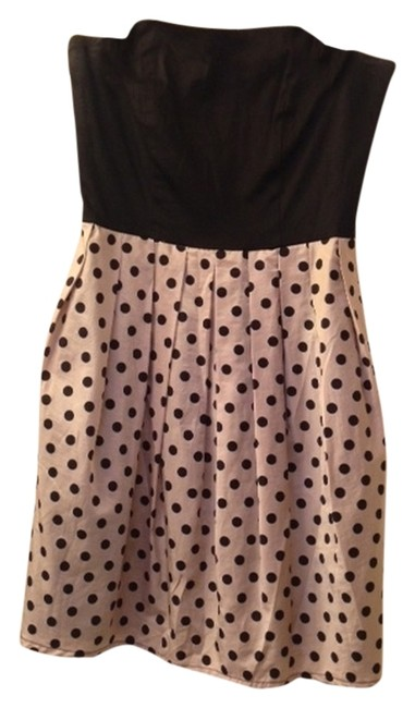 Preload https://item1.tradesy.com/images/francesca-s-black-with-polka-dots-strapless-mini-cocktail-dress-size-4-s-2208575-0-0.jpg?width=400&height=650