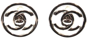 Chanel #14118 Classic CC round Silver Turnlock medium large Clip on earrings