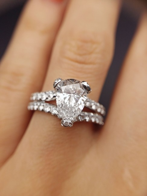 Item - Stunning 3.25 Ct Pear Shaped Egl Certified Engagement Ring
