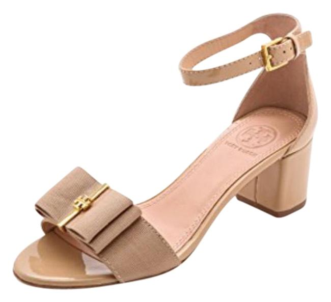 Item - Cream Block Heel Sandal. Pumps Size EU 35.5 (Approx. US 5.5) Regular (M, B)