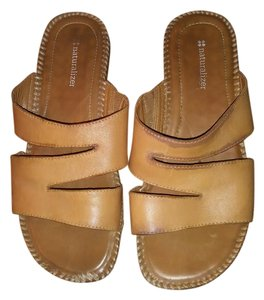 Naturalizer Tan Sandals