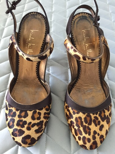 Nicole Miller Satin Silk Pupms leopard brown, gold, beige Pumps Image 1