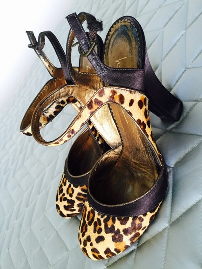 Nicole Miller Satin Silk Pupms leopard brown, gold, beige Pumps Image 2