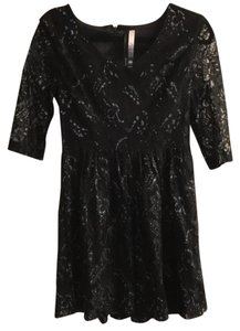 Kensie Lace V-neck Vintage Sparkle Dress